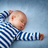 novorodjence spavanje beba