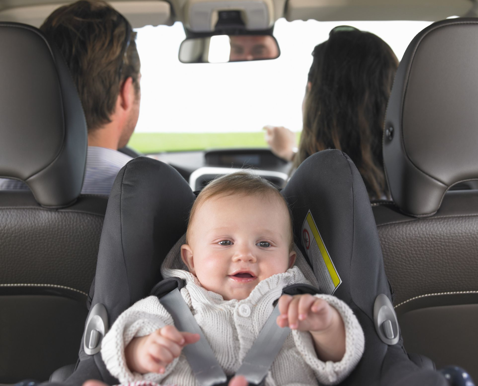 gdje je najbezbjednije da beba sjedi u automobilu mamaonica. Black Bedroom Furniture Sets. Home Design Ideas