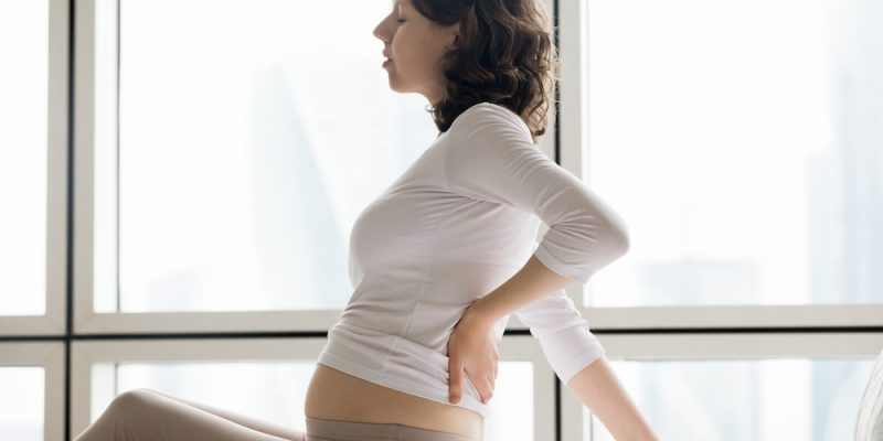bolovi u ledjima u trudnoci pomoc
