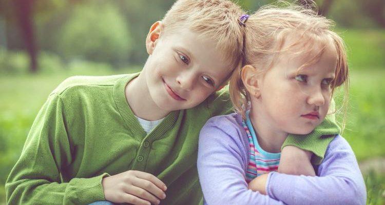 Zašto ne trebamo tjerati djecu da se izvinjavaju