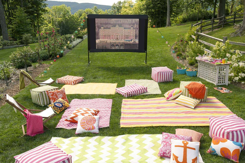 Kino na otvorenom dječiji rođendan