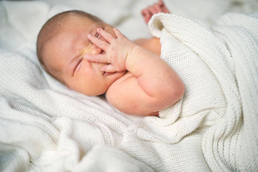 osip na licu bebe